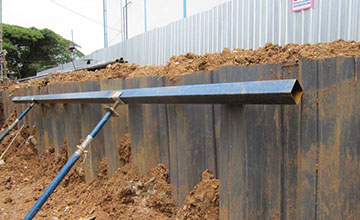 Braced sheet pile shoring wall in sensitive clay